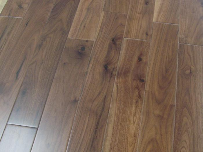 One Strip Black Walnut Engineered Flooring Multilayer