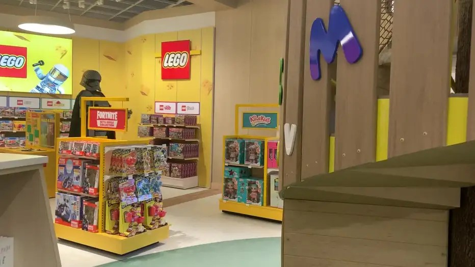 Toys R Us Returns To Houston With New Galleria Store