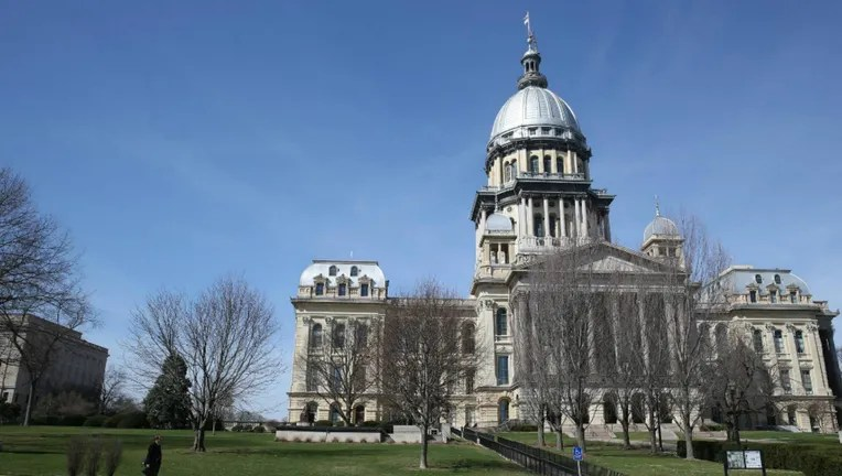 Illinois lawmakers cancel session next week due to COVID-19 ...
