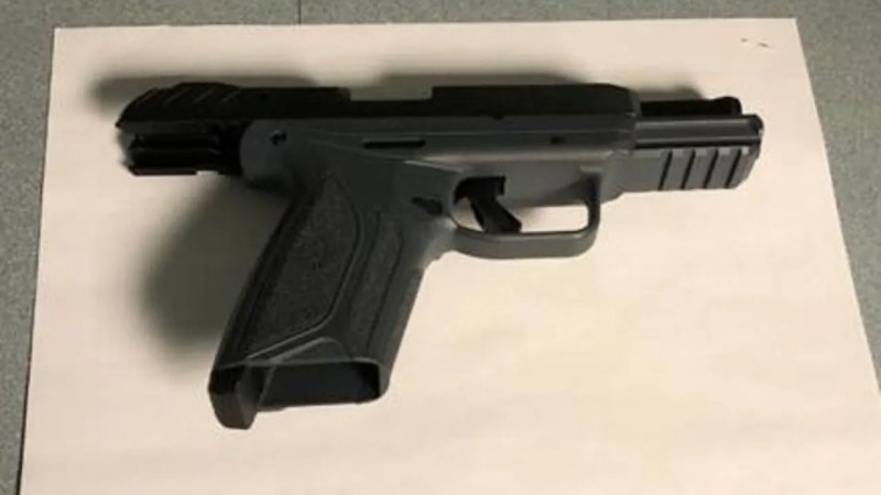 TSA finds loaded gun in man's carry-on bag at Mitchell ...