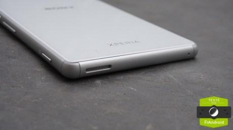 Sony-Xperia-M4-Aqua-9