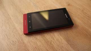Sony-Xperia-Sola-front
