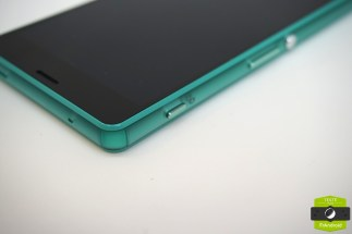 Sony-Xperia-Z3-Compact-vert-deau-14