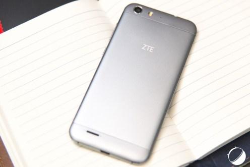 ZTE-Blade-V6-2-sur-12