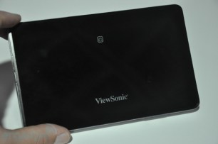 viewpad7-big-05-hands