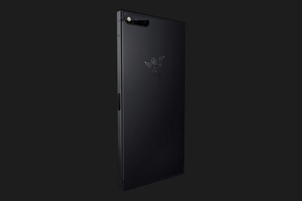 razer-phone-gallery-1500x1000-14