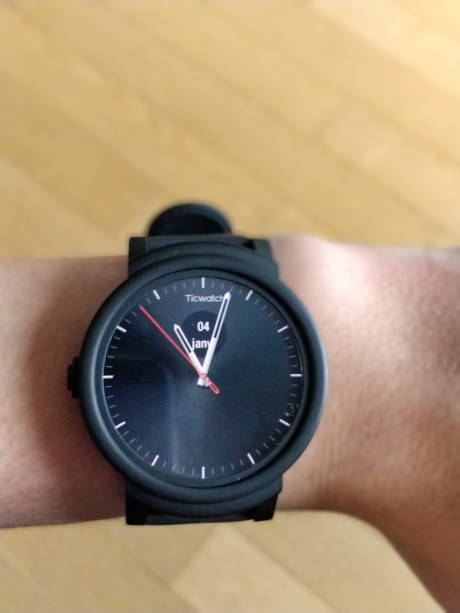 mobvoi-ticwatch-express-1