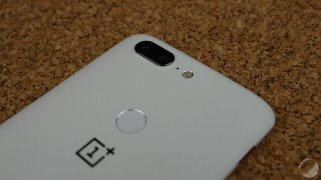 oneplus-5t-sandstone-white-8
