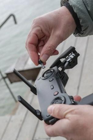 Unboxing Mavic Air sur les rives du lac d'Annecy avec Hervé pellarin © Jean-Marc Favre-WOOlooMOOloo