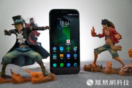Xiaomi-blackshark-phone-10