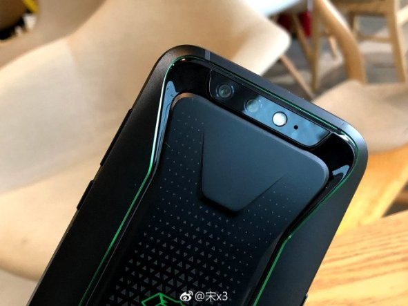 Xiaomi-blackshark-phone-3