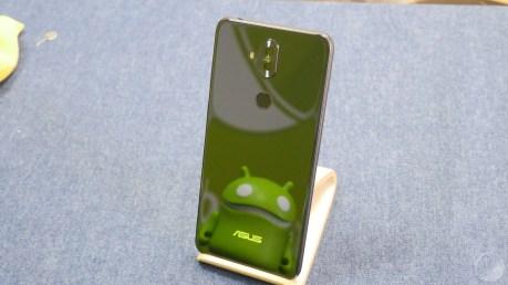 Asus Zenfone 5 Lite photos design (46)