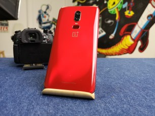 OnePlus 6 red dos