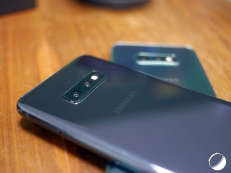 Samsung Galaxy S10e coloris 2