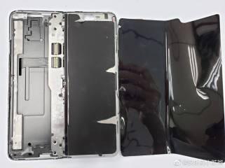 Samsung Galaxy Fold teardown 3