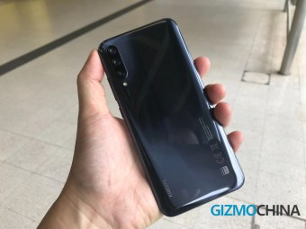 Mi-A3-hands-on-03