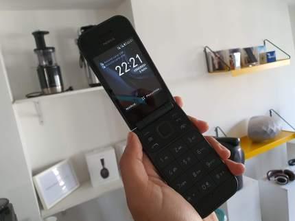 Nokia 2720 Flip a