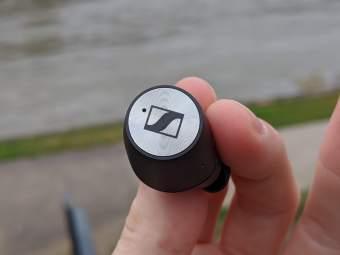 Sennheiser Momentum True Wireless (4)