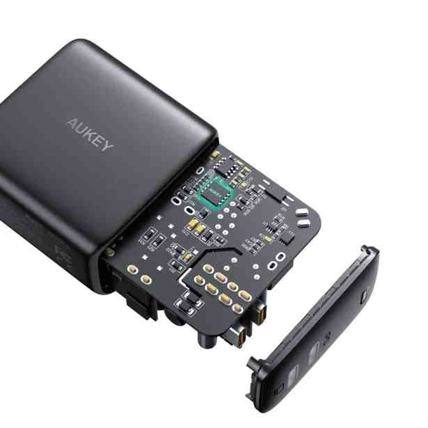 AUKEY-Omnia-series-chargers-image-16