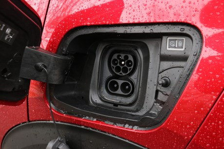 Prise de recharge Peugeot e-2008