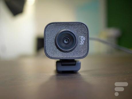 logitech streamcam (7)