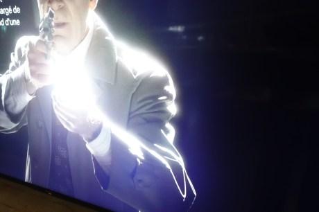 Les fuites de lumière sont fréquentes sur les dalles LCD, par ailleurs ici très lumineuse.