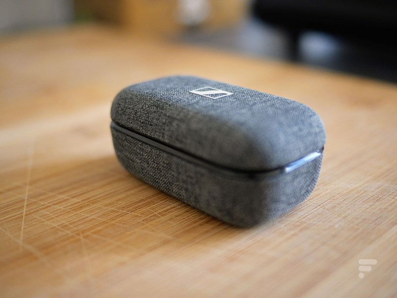 Le boîtier de charge des Sennheiser Momentum True Wireless 2