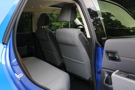 Les sièges arrière de la Honda e // Source: Yann Lethuillier pour Frandroid