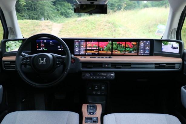 L'intérieur de la Honda e // Source: Yann Lethuillier pour Frandroid