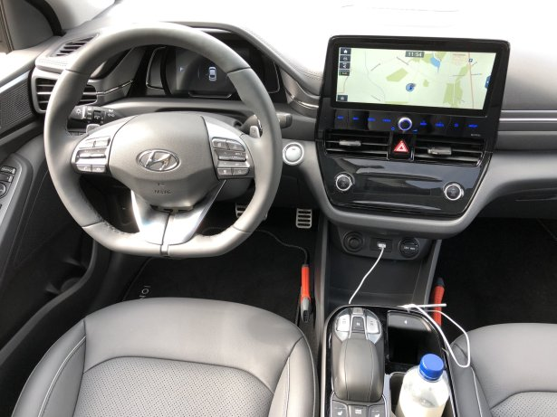 hyundai-ioniq-electric-interieur