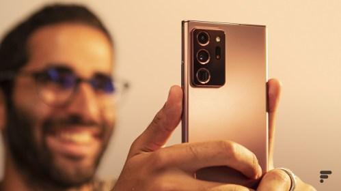 Samsung Galaxy Note 20 Ultra en main