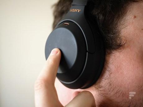 Les contrôles du Sony WH-1000XM4 se font au tactile