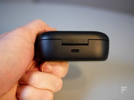 Le boîtier des Bose QC Earbuds // source : Frandroid