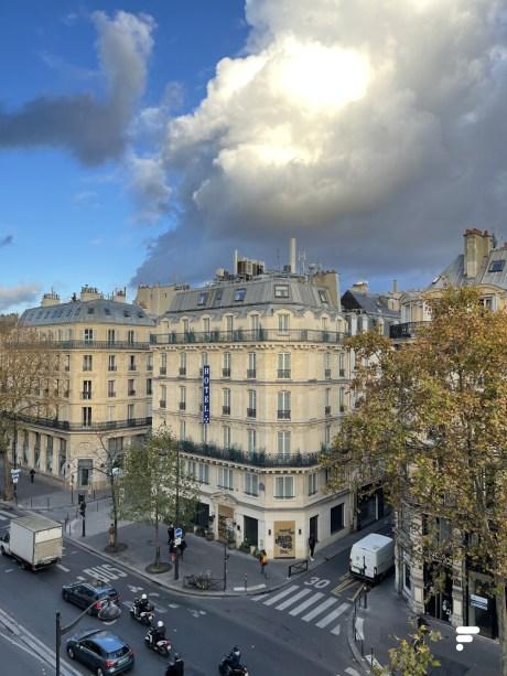 La photo en voulant faire la mise au point sur l'immeuble // Source : Frandroid/Arnaud GELINEAU