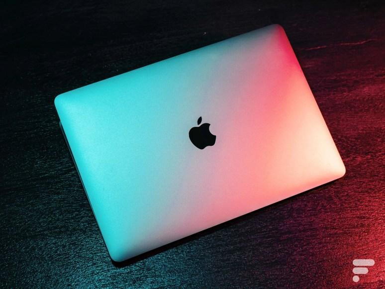 Ici le MacBook Pro M1, qui n'arborait aucun changement de châssis particulier vis-à-vis du modèle précédent