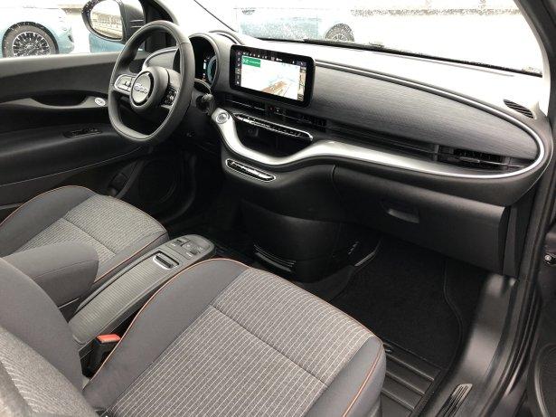Places avant de la Fiat 500 Electrique