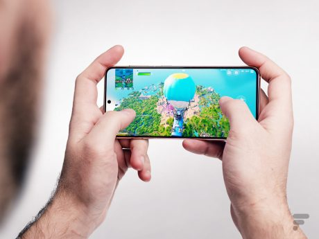 Sur Fortnite, on profite bien de l'écran vif du Galaxy S21