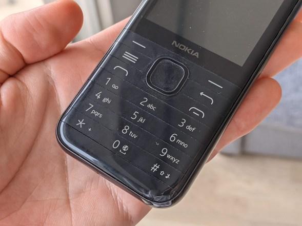 Nokia 8000 4G (3)