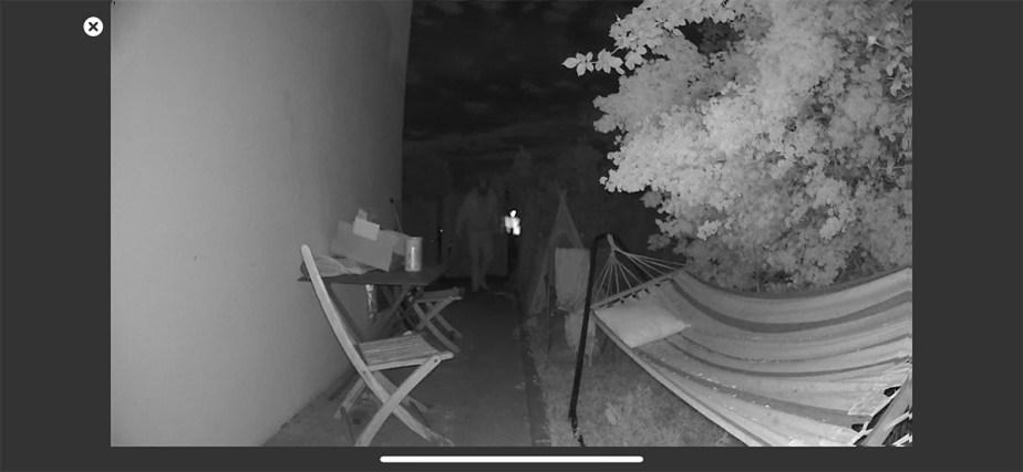 La détection de mouvement en extérieur avec vision de nuit à 5 m // Source : Frandroid / Yazid Amer