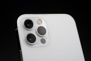 L'Apple iPhone 12 Pro Max et son module finalement plutôt compact.