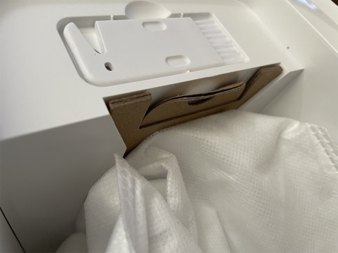 Le carton est très fragile heureusement nous ne l'utilisons que deux fois // Source : Source : Frandroid / Yazid Amer