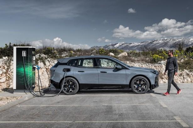 BMW iX
