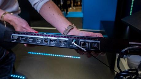Un boîtier OneConnect doté de 6 ports HDMI / Source : David Nogueira