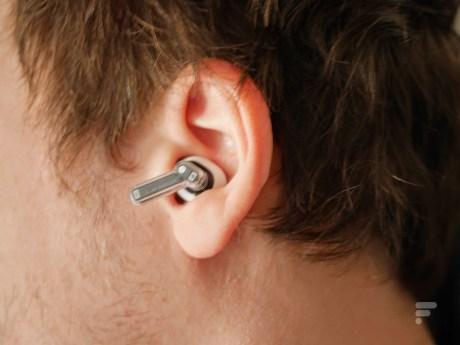 Les écouteurs Nothing Ear 1 // Source : Frandroid