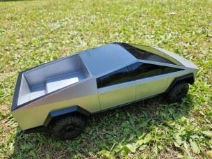 Tesla Cybertruck Hot Wheels 4