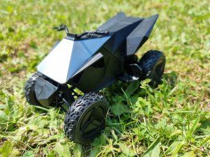 Tesla Cybertruck Hot Wheels 7