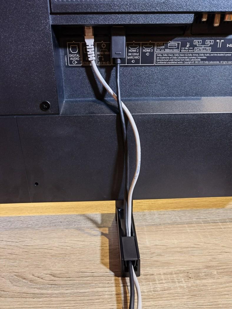 pour accueillir quelques câbles.