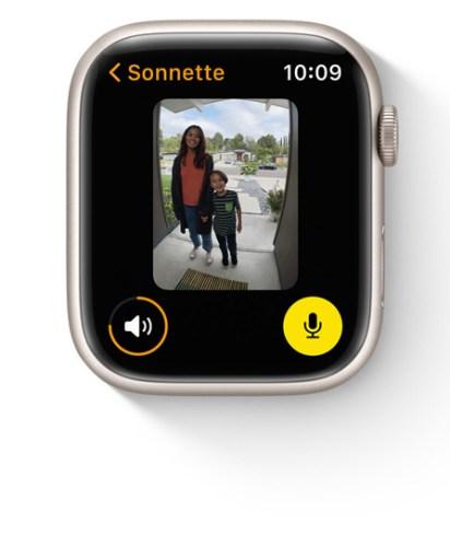 watchOS 8 permet de visualiser ses flux caméra // Source : Appl