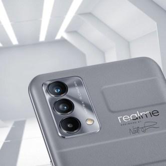 Realme GT Master Edition en Explorer Gray. // Source : Realme