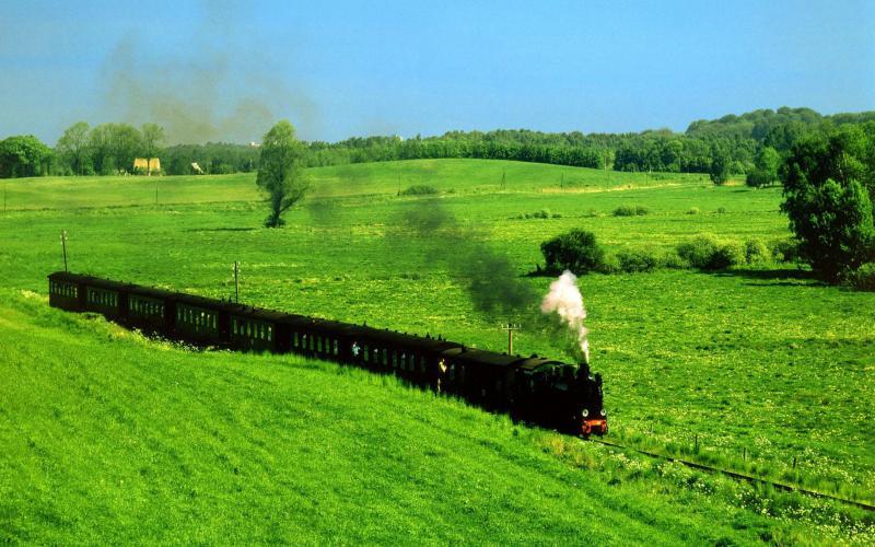 Computer Wallpaper Art Girls In River Hd Old Steam Train Through Grass Fields Wallpaper